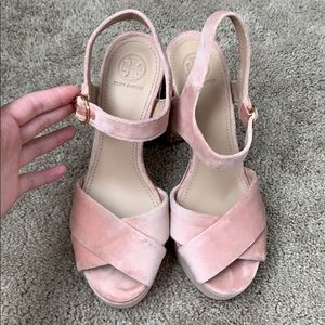 7989c43d139c47 Tory Burch Shoes - Tory Burch Loretta Velvet Platform Sandal Pink 7.5